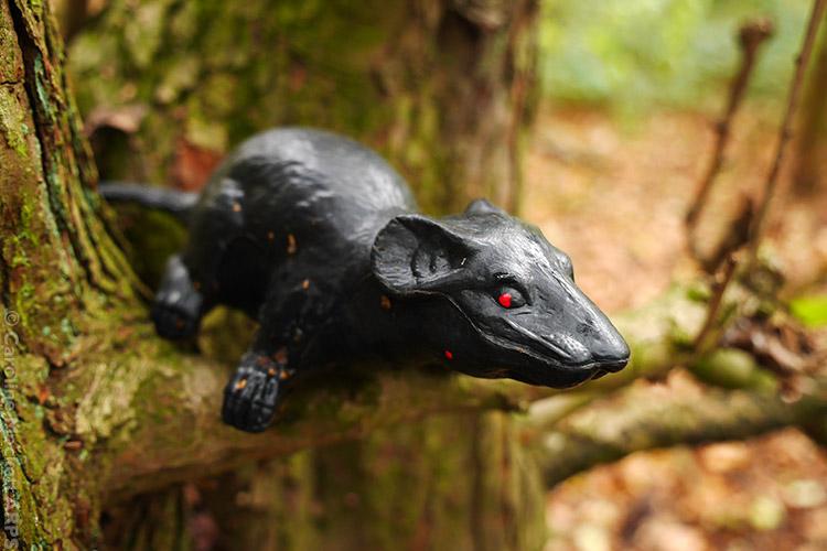 Ratty Descends His Tree!