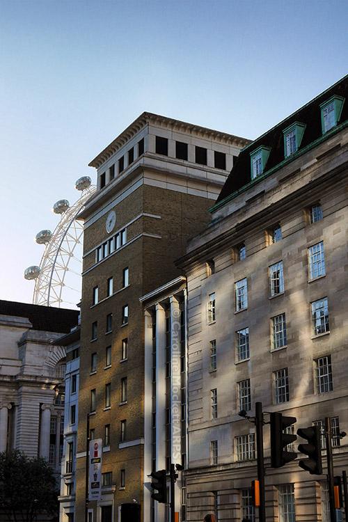 Peekaboo! London Landmark